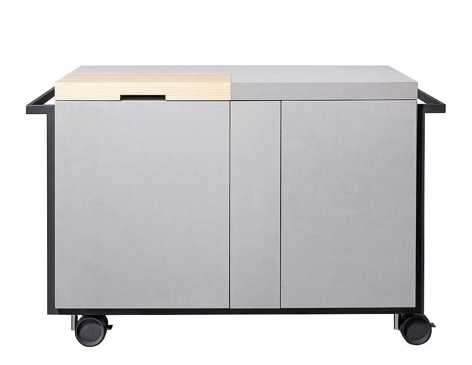 屋内から屋外へ、どこへでも簡単に移動できるコンパクトな可動式キッチンQB01