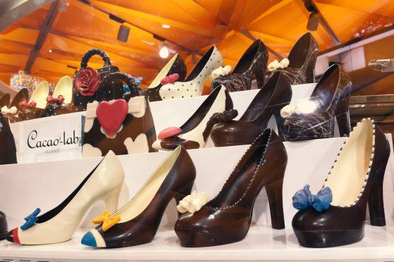 7階の食料品フロアに並ぶイタリアンな靴のチョコレート