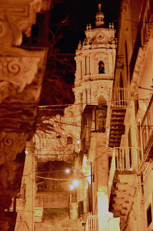 バロック建築の傑作とも名高い、壮観なファサードを持つサン・ジョルジョ大聖堂