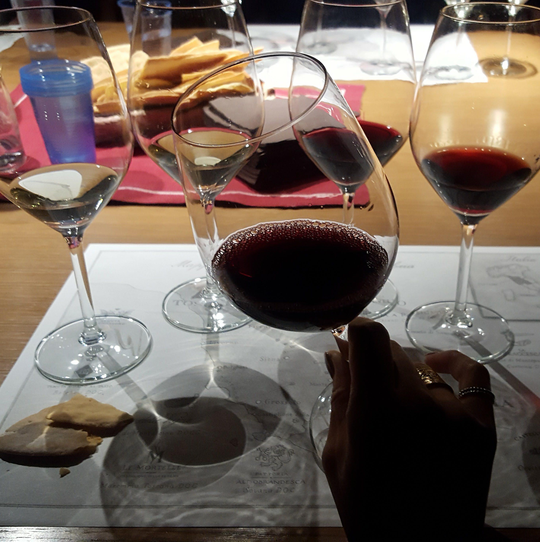 フィレンツェ風ステーキであるビステッカとキャンティ・クラシッコは相性抜群