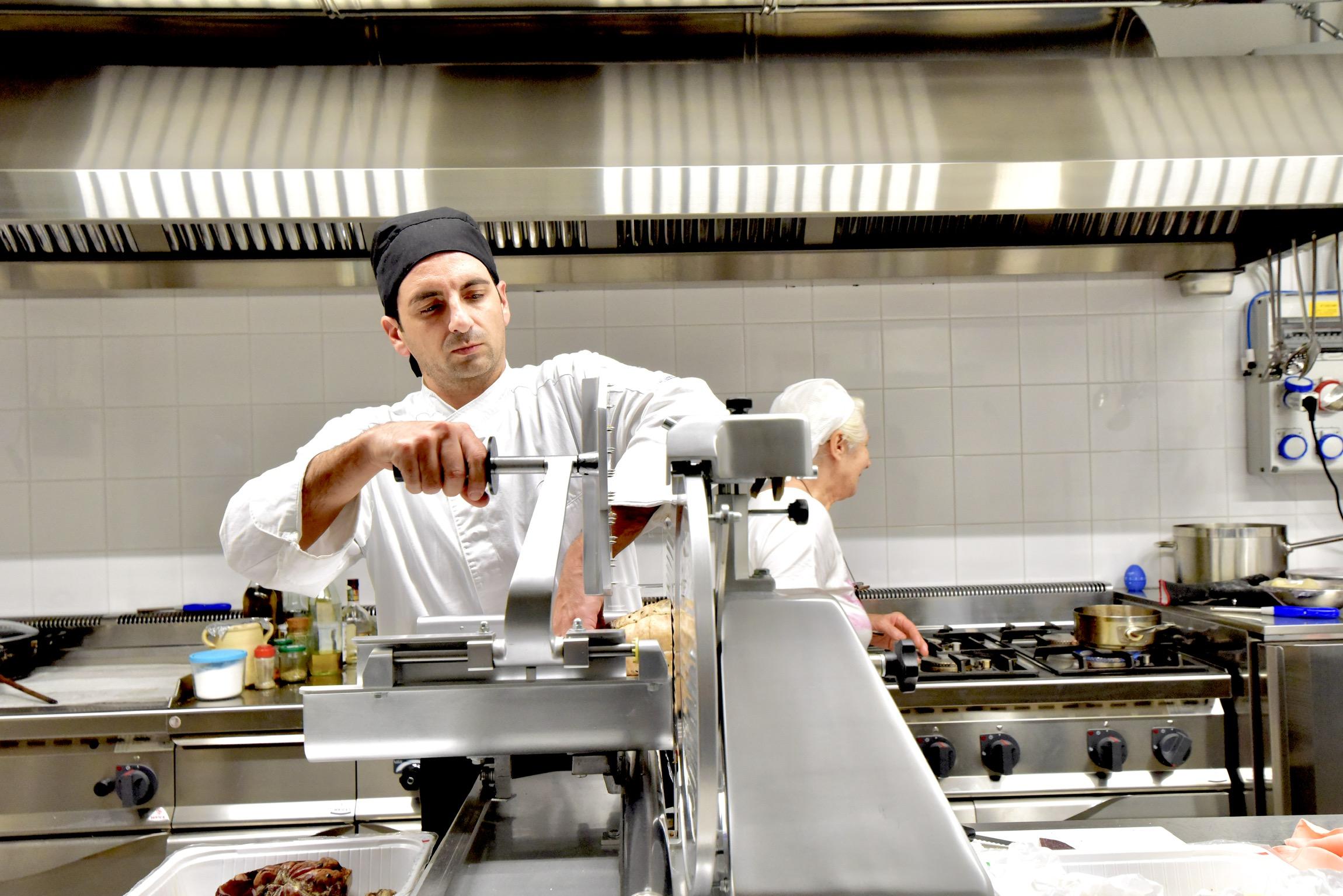 道具は変われどイタリア伝統料理への継承は変わらず