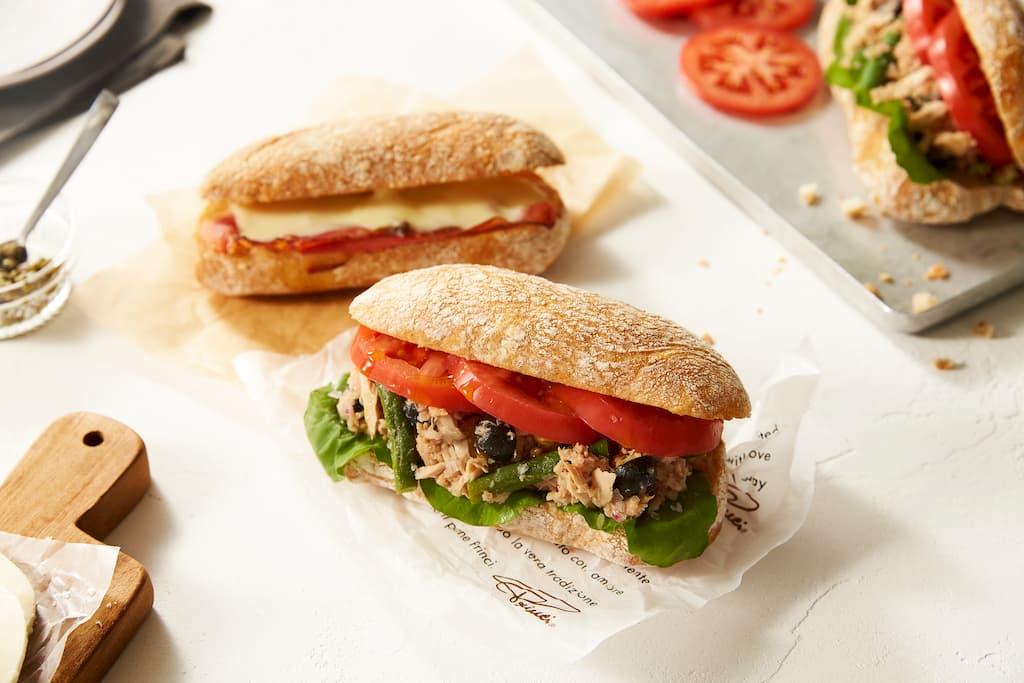 チャバッタサンドイッチも店内で調理される