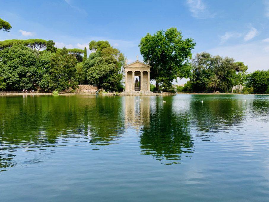 17世紀にボルゲーゼ枢機卿がブドウ園を買い取り、この公園を作った