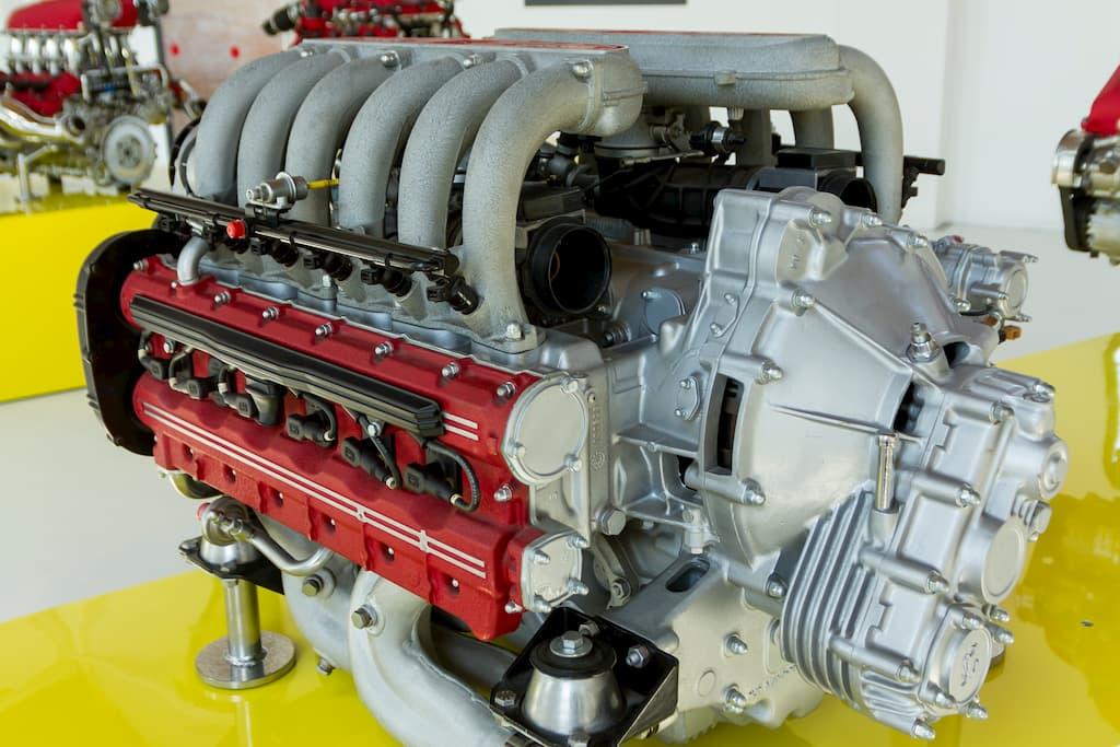 フェラーリの命といえるエンジン。こちらはテスタロッサ用のV12