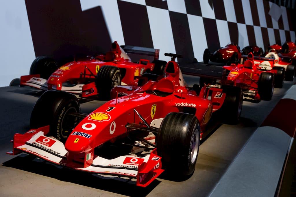 フェラーリの歴代F1マシンも並ぶ