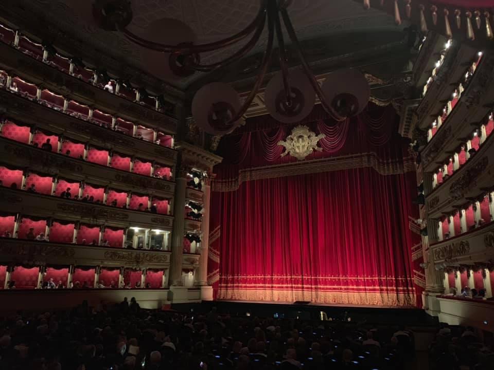オペラの本場で鑑賞するなんて、なかなか経験できない素敵な経験ですよね
