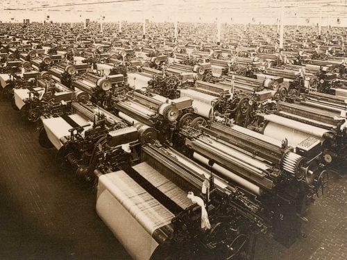 クレスピ・ダッダの工場でも糸を紡ぐなど、実際の工場での作業に携わる5割が女性、さらに労働者の中には子供もいたそうで、第二次世界大戦前のイタリアの社会的環境が垣間見えました