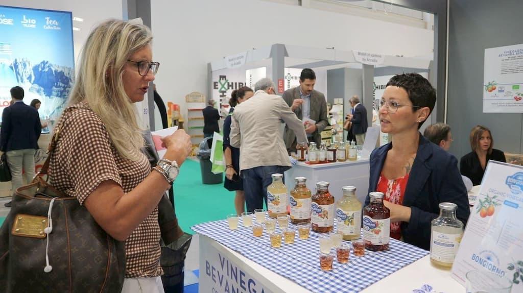 名産地モデナのバルサミコ酢メーカーBongiorno社は、世界におけるドリンキングビネガーに注目して新た「飲むバルサミコ酢」を発売