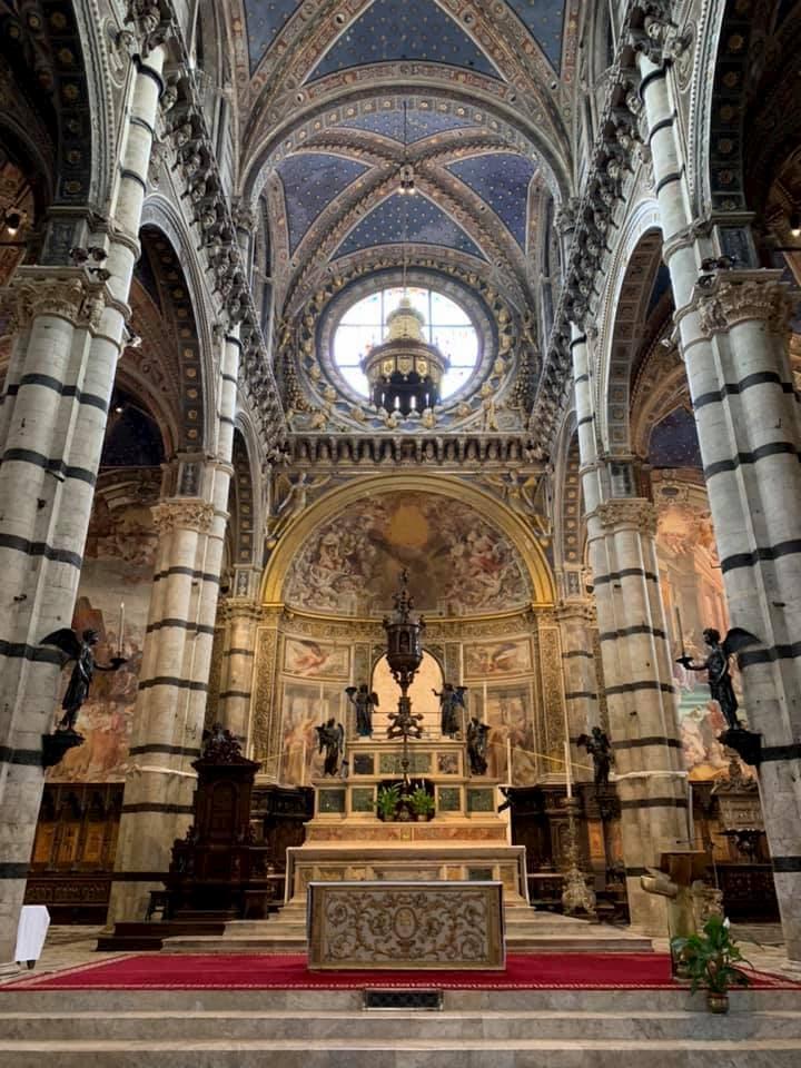 シエナ大聖堂内もさらに美しい