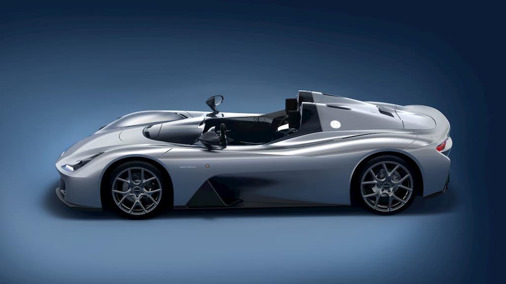 ダラーラ・ストラダーレはシングルシートのレーシングカーのようにドアのないバルケッタモデル