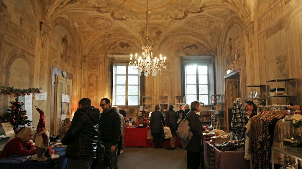 コルシーニ宮殿のクリスマスマーケットの様子