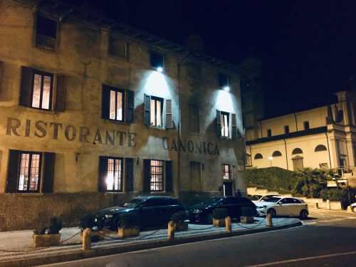 ロンバルディアの地元料理を供するリストランテ