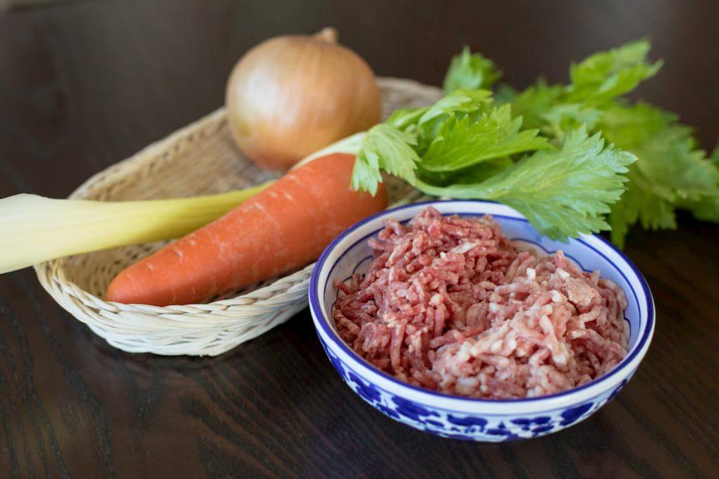 挽き肉と野菜の写真