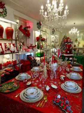 クリスマス用のお皿やカトラリー