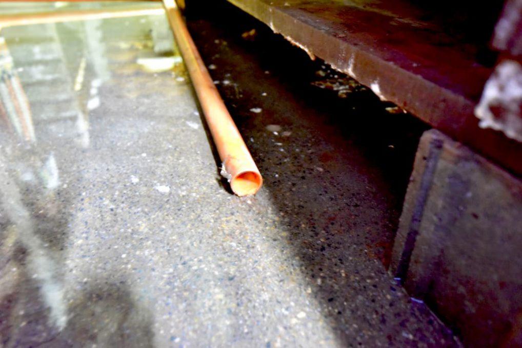 工房内の湿度をコントロールするパイプ