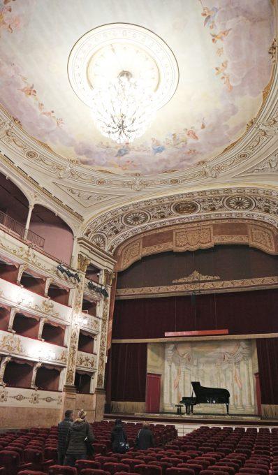 ペルゴラ劇場の内装