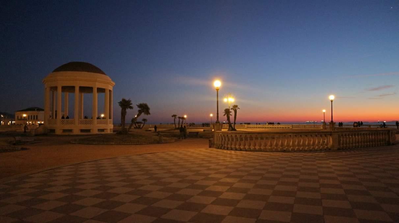 港町リヴォルノの夕焼け