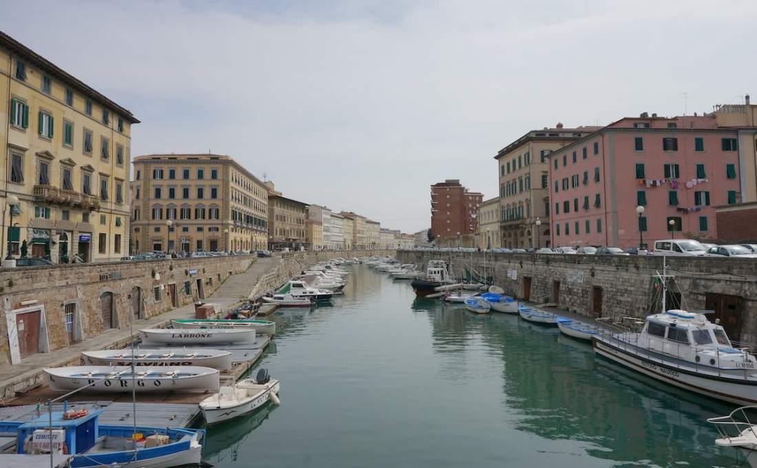 港町リヴォルノの風景