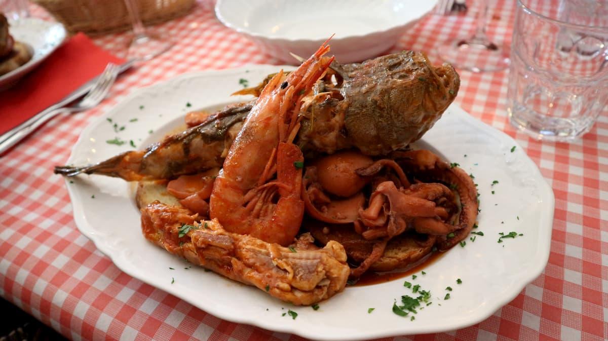 魚介類の煮込みカッチュッコ