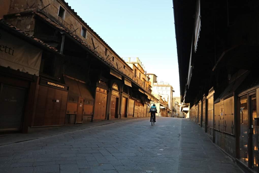 3月19日撮影、人通りが途絶えたポンテベッキオ