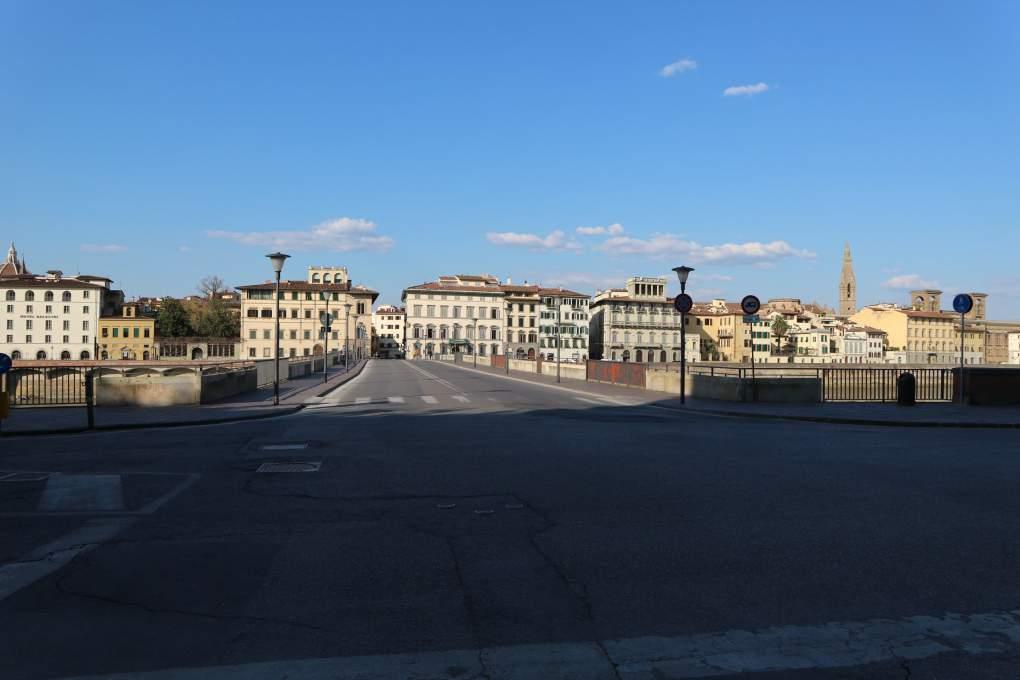 3月19日撮影、人通りのないグラツィエ橋