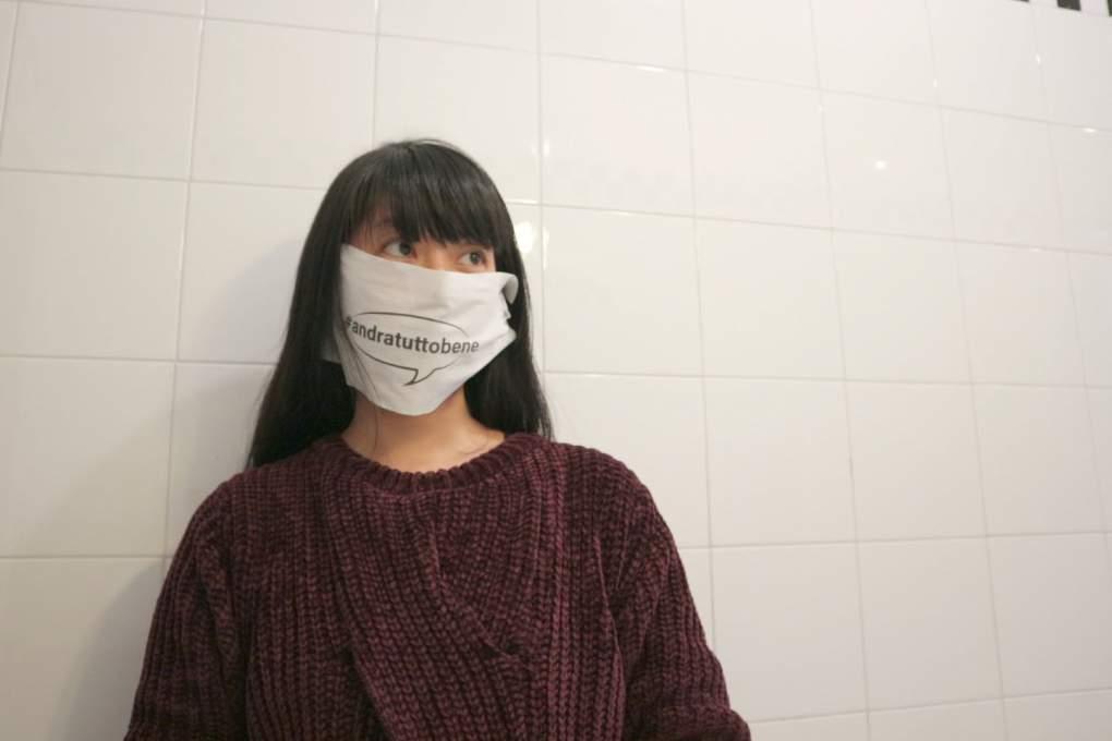 """スーパーで配布されたなかなか斬新な""""マスク""""がこちら"""