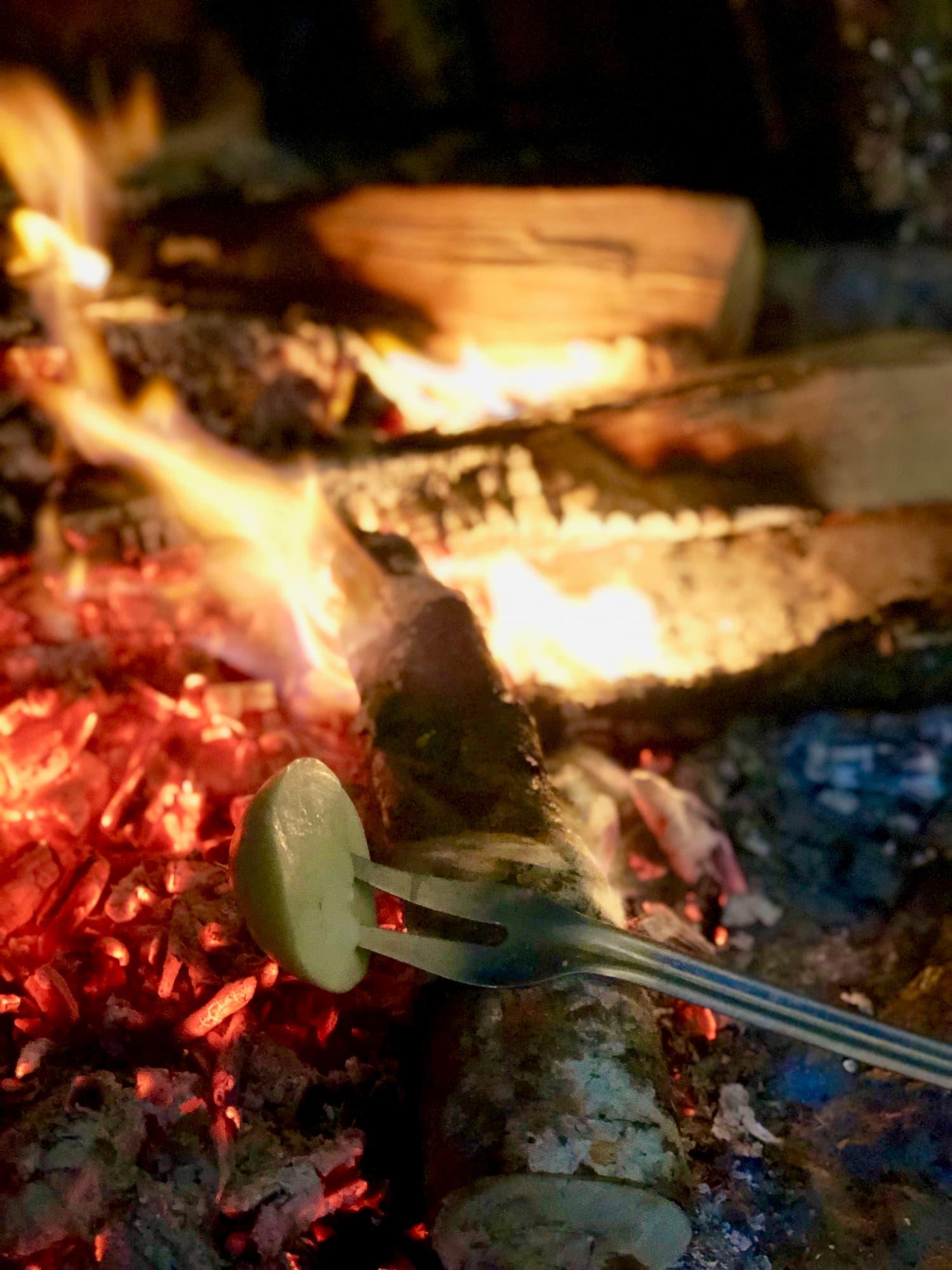 移牧中にもチーズをつくりながら移動し、暖炉で温めて食べてみたチーズは絶品
