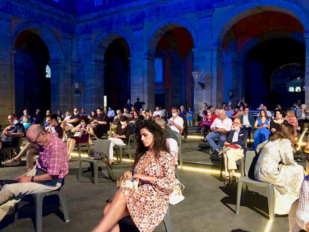 コロナ化、多くの制限下で開催される演劇(ナポリ)