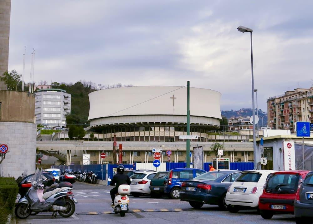 アダルベルト・リベラ設計によるクリスト・レ大聖堂(ラ・スペツィア)