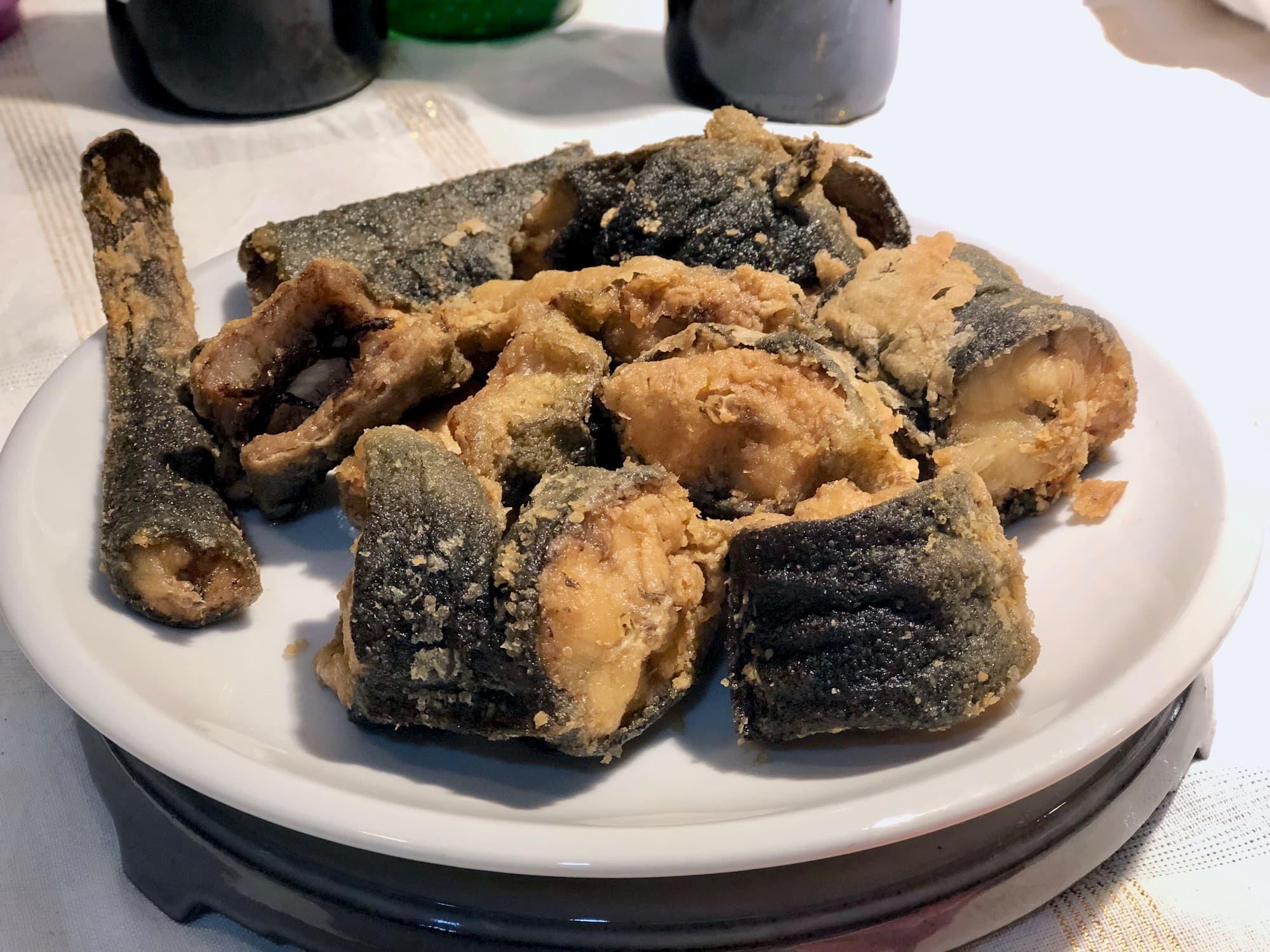 南イタリアで主流なウナギの食べ方はフリット