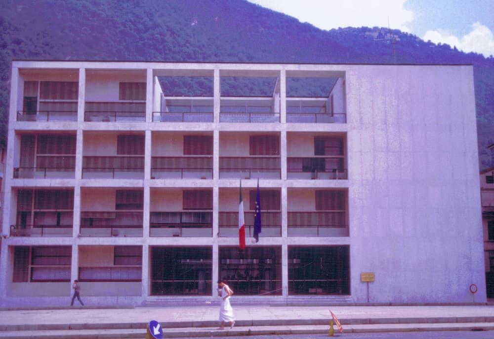 コモ湖に残るカーサ・デル・ファッショ(1932〜1936年)