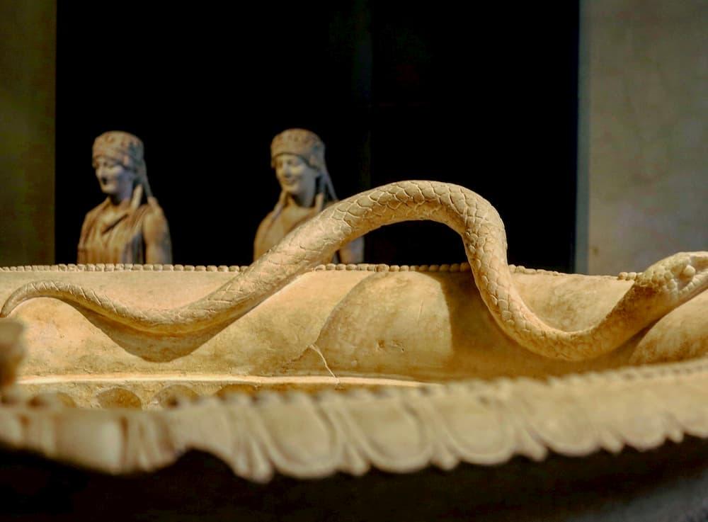 ローマ期から教会の聖水口モチーフにも多用された蛇(ローマ・カピトリーニ美術館)