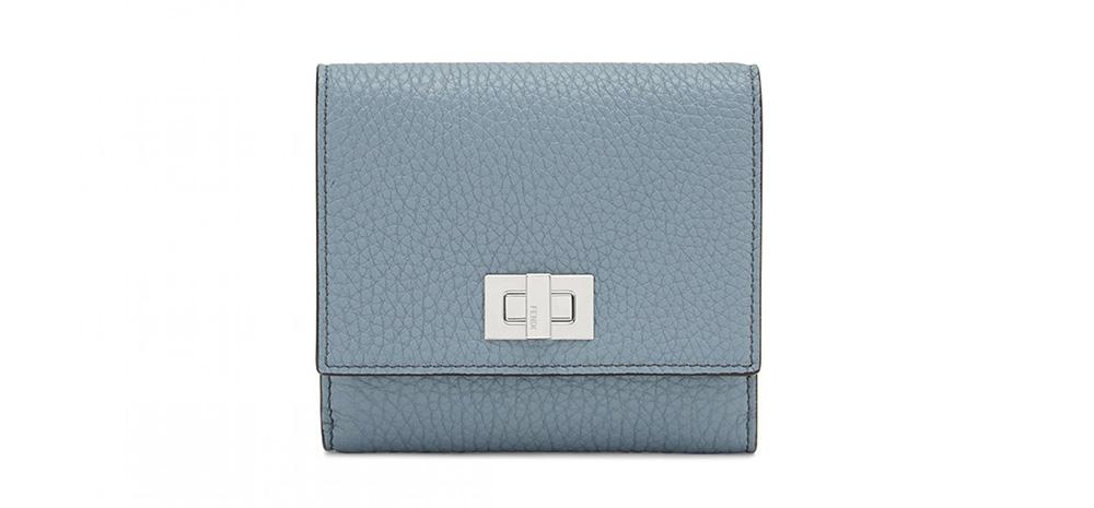 三つ折り財布 95,700円(税込)/FENDI(フェンディ)