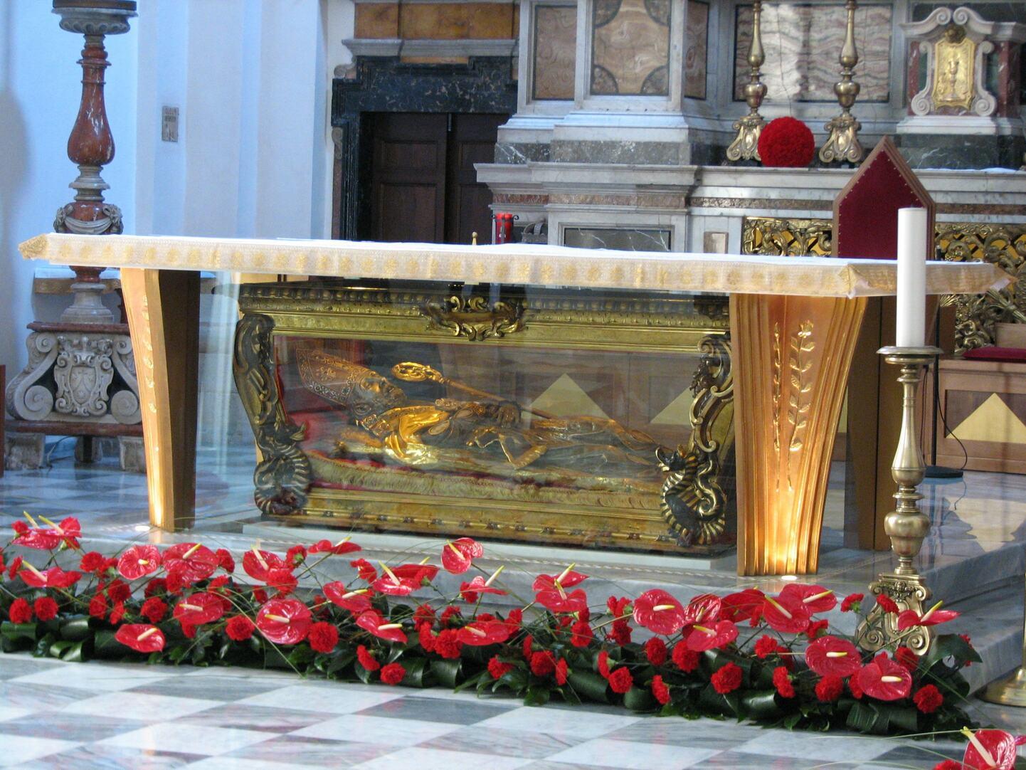 バレンタイン教会の祭壇の聖バレンタイン像 出典Wikipedia