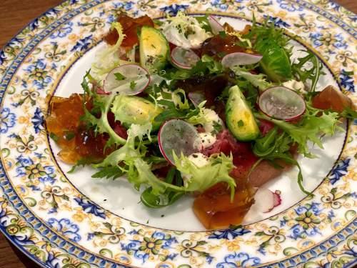 この日のメニューには味付けや盛り付けなどフランス料理の要素が感じられた。