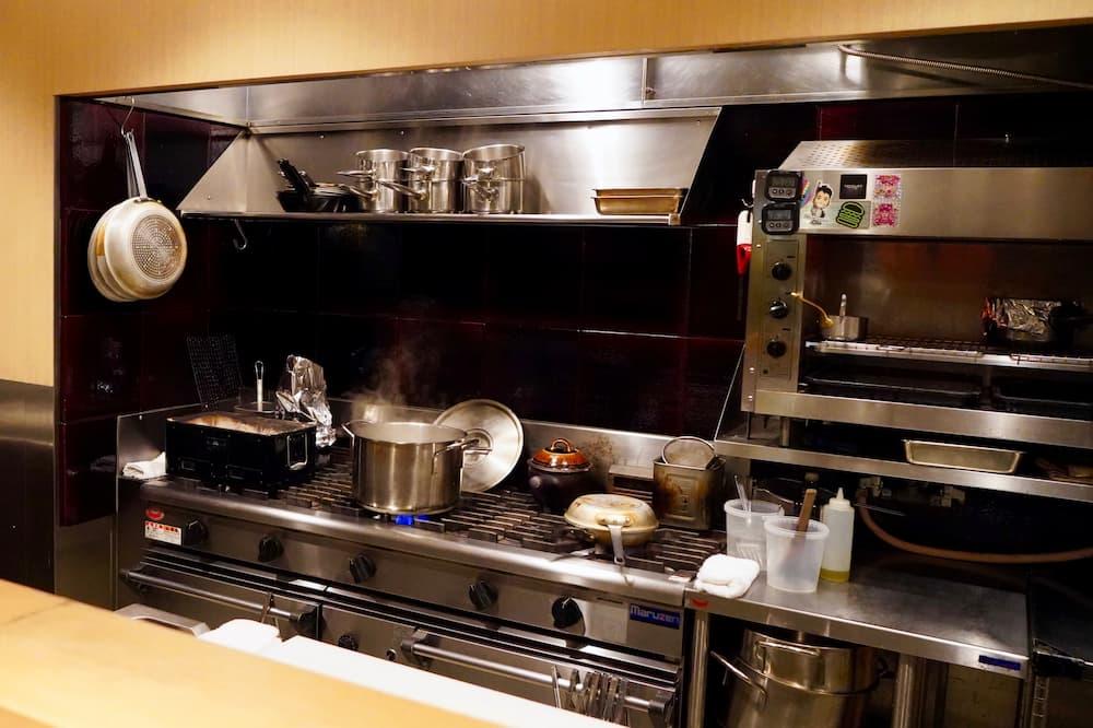 手入れの行き届いた機能的なキッチン