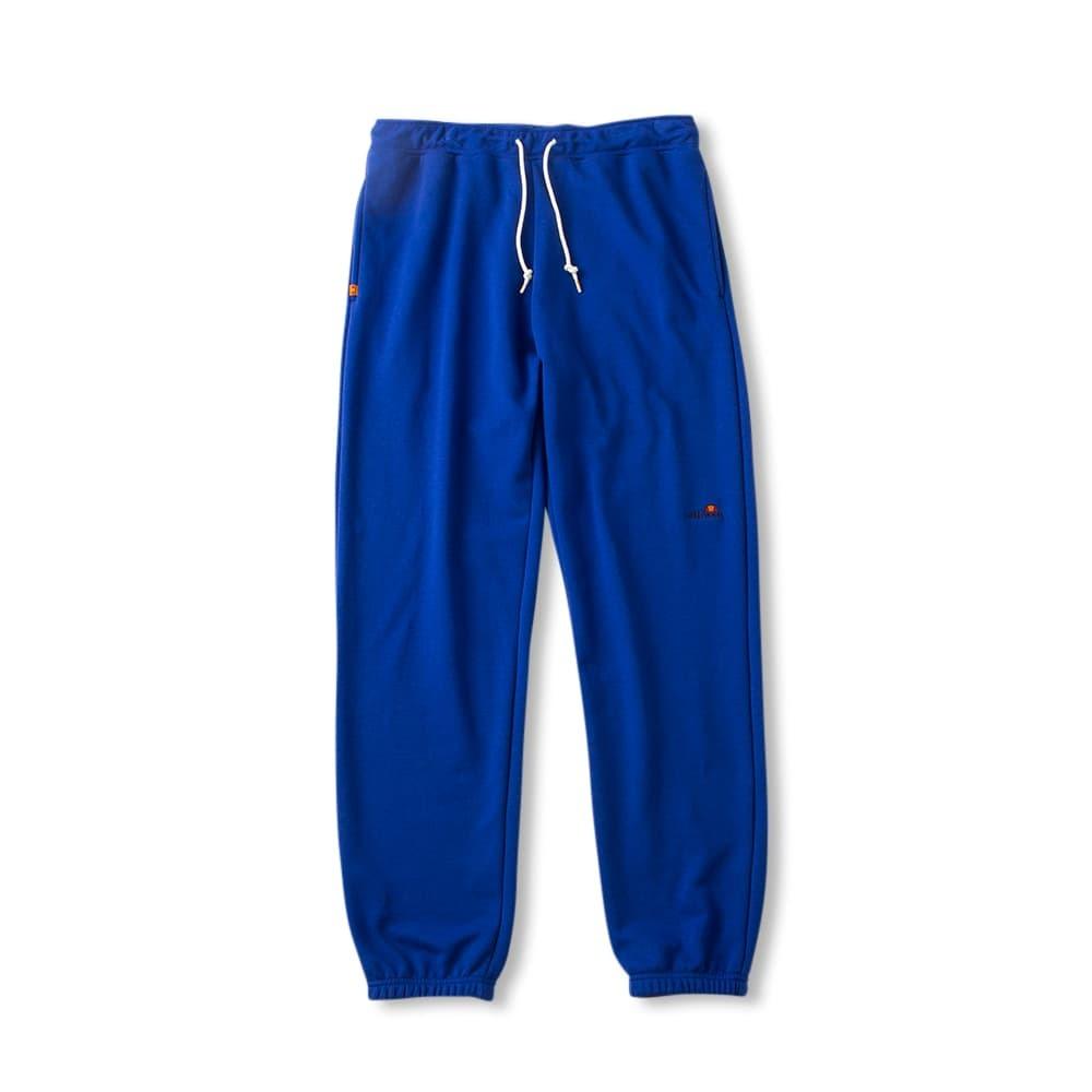 エレッセの青いスウェットパンツ