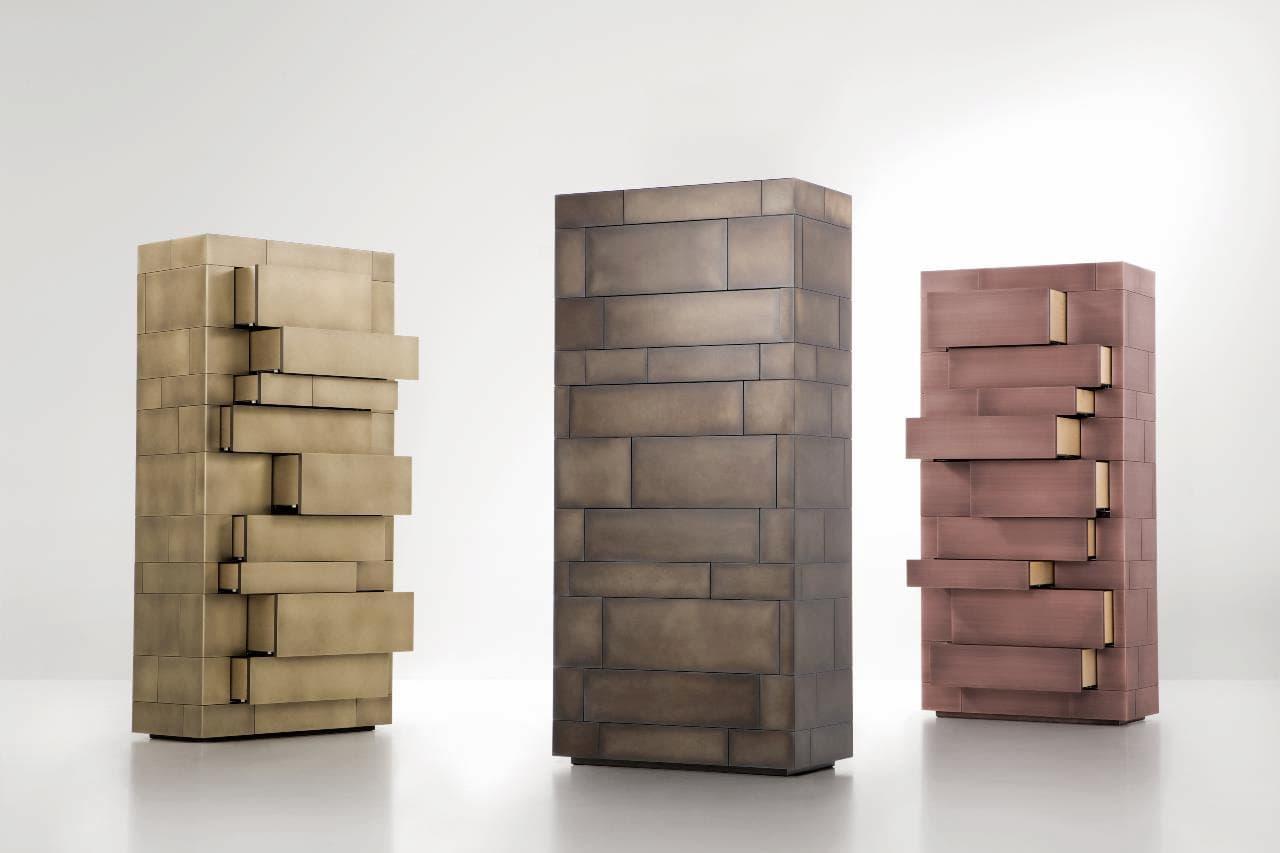 (左から)真鍮燻しバイブレーションG3 2,110,000円 ステンレス燻しB E5 1,850,000円 銅燻しストライプ G6 2,400,000円/以上すべてDe Castelli(デカステッリ)