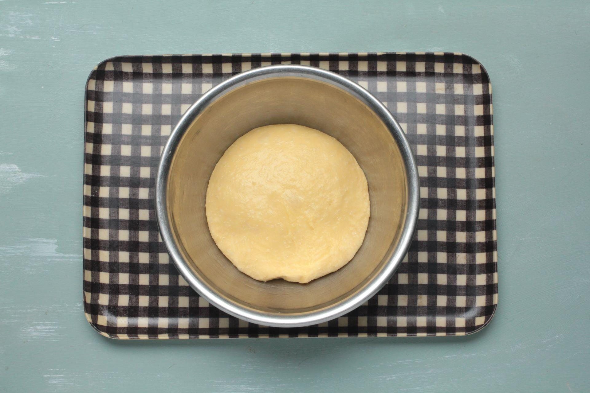 1次発酵させた練り粉