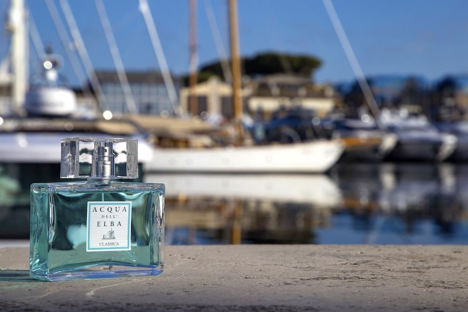 ブランド創立以来の定番ライン「クラッシカ」のメンズ用オードパルファム。潮風を感じさせる爽やかな香りです。