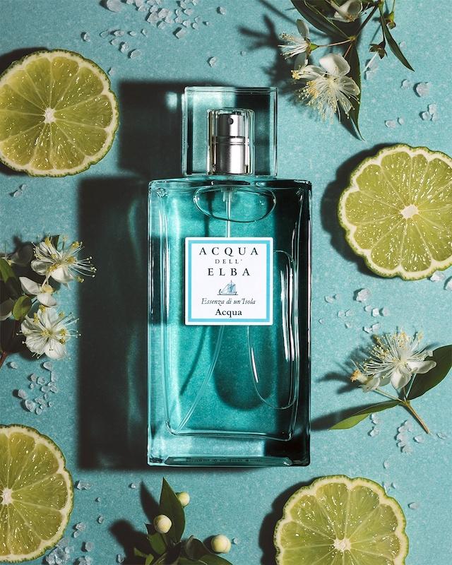 柑橘類と、ほのかな塩の香りを含んだユニセックスのオードパルファム「エッセンツァ・ディ・ウン・イゾラ」。パートナーと一緒に楽しみたいバランスのとれた香りです。