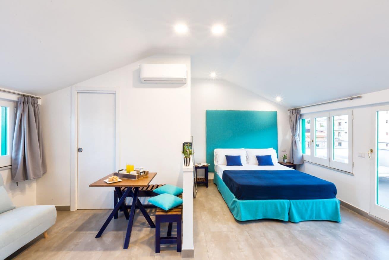 Boutique Suites – The Penthouse(https://www.sorrentovibes.com/apartments/boutique-suites-penthouse/)(提供: SorrentoVibes(https://www.sorrentovibes.com))