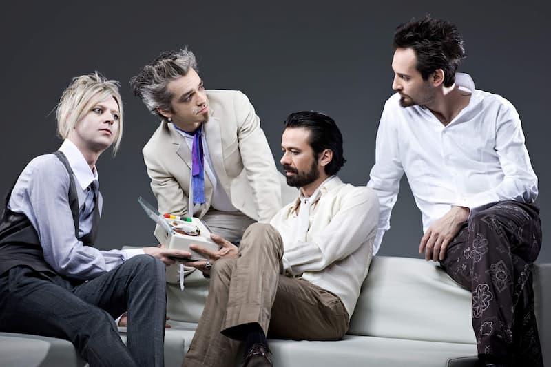 ブルーヴェルティゴ(左から2番目がモルガン)