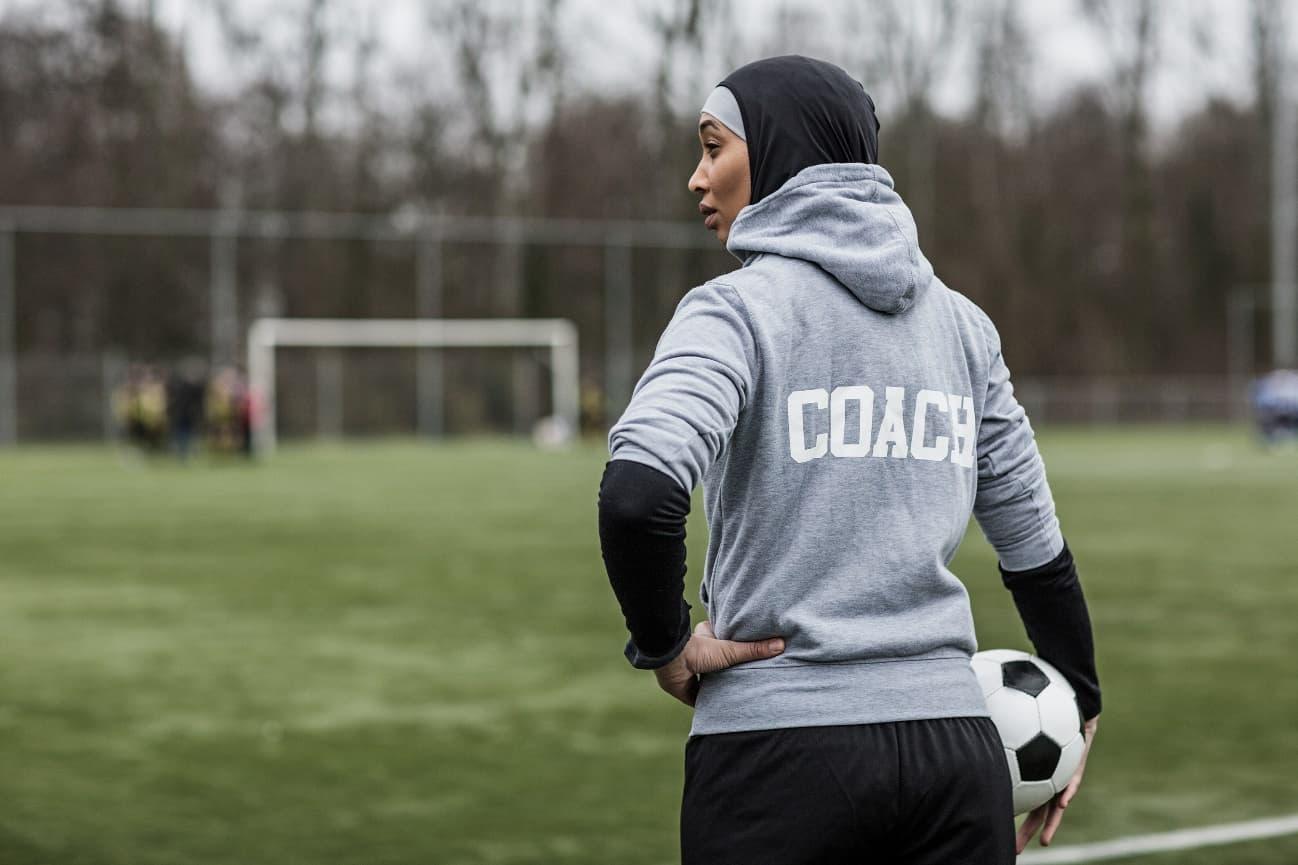 サッカーコーチのイメージ