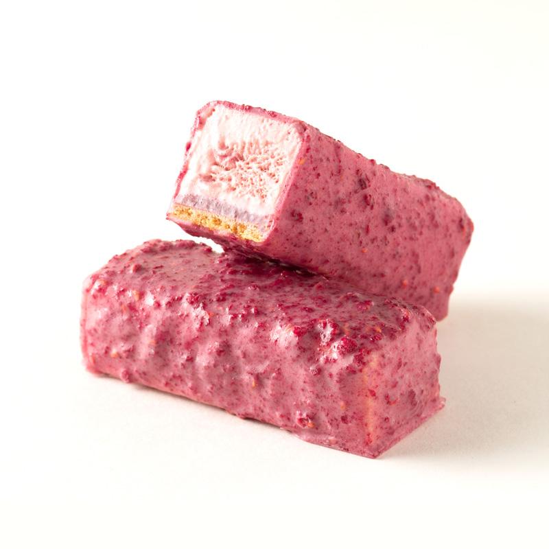 ランポーネ:イタリアの「トルタ(ケーキ全般)」の中でも有名なクロスタータ・ディ・ランポーニ(ラズベリータルト)をセミフレッドで表現した逸品。