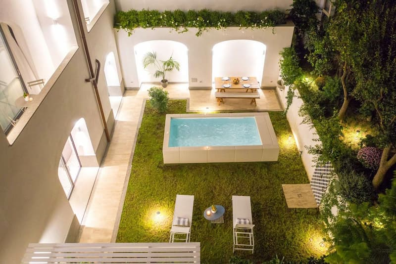 Luxury Villa with Penthouse, Pools and Sea View(https://sorrentovibes.kross.travel/luxury-villa-with-penthouse-pools-sea-view)(提供: SorrentoVibes(https://www.sorrentovibes.com))