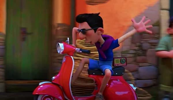 イタリアが舞台のディズニー映画あの夏のルカよりヴェスパに乗って登場するエルコレ