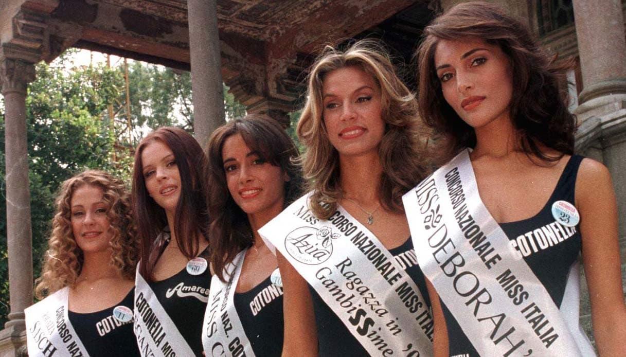 ミス・イタリア1997出場時(右から2番目がアンナリーザ)