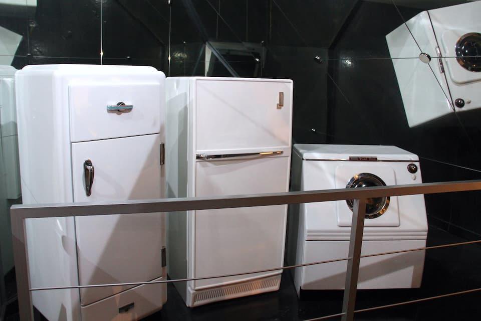 フィアットは、ライセンス生産による冷蔵庫や洗濯機の生産を行っていました。