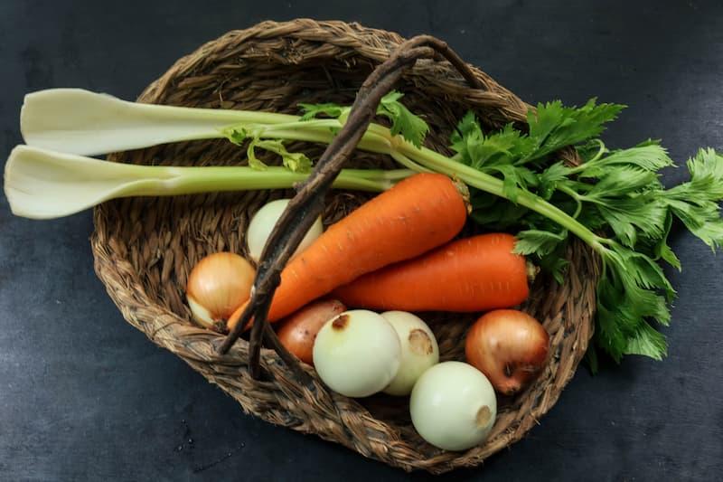 野菜たっぷりトマトソースのパスタ